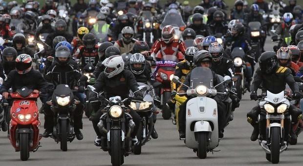 Motocicli crescita record in italia 18 2 in 10 anni - Rivenditori record cucine roma ...