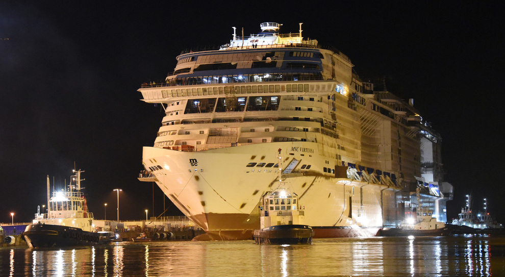 Il float out di Msc Virtuosa
