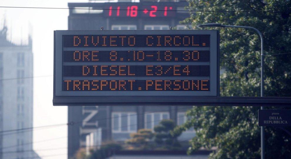 Milano, stop alle auto a diesel Euro 3 da gennaio 2019