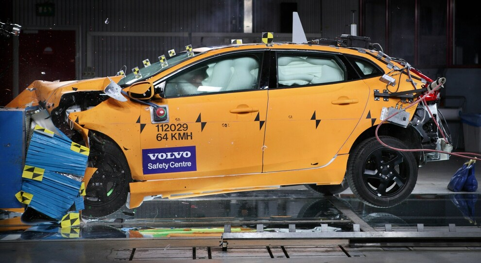 Un crash test nel Volvo Safety Centre