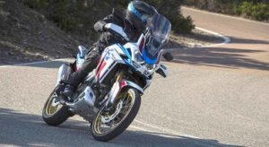 Honda Africa Twin 2020, in sella alla prima moto con Apple CarPlay