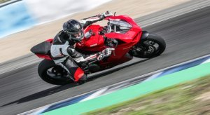 "Ducati Panigale V2, a Jerez in sella alla ""Super-Media"" bolognese"